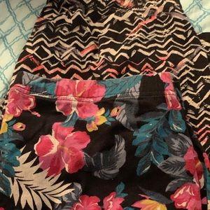2 pair of torrid Capri leggings! Size 2! Bundle!